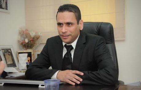 """ראש העיר ד""""ר יחיאל לסרי חשף בפני חבר המועצה, עו""""ד אופיר לסרי: כרבע מהעיר מובטלים"""